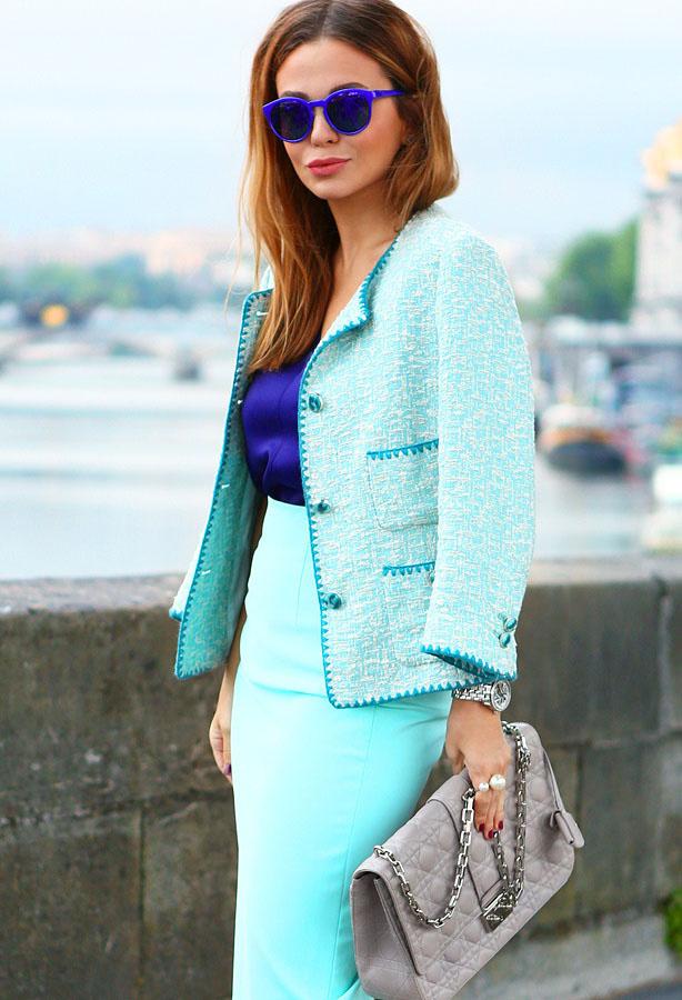 86eb513aa59a ... в окружающий мир наследные идеи стиля Шанель. В основе лежат пиджак,  жакет и юбка — примеры этих элементов гардероба можно посмотреть на фото  далее