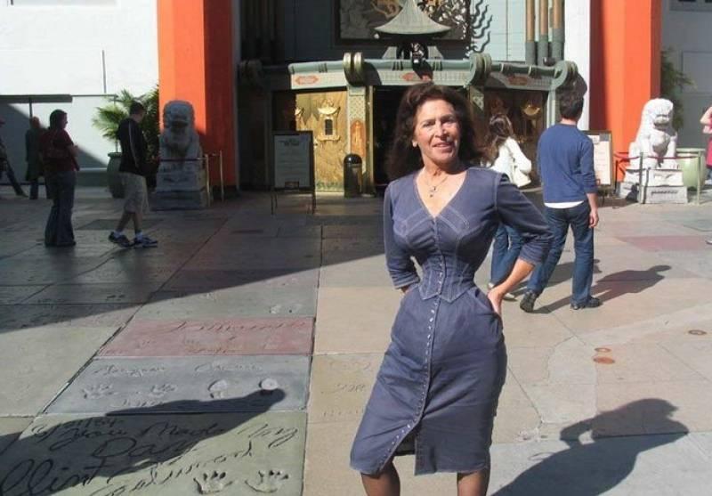 Уменьшение талии путем ежедневного ношения корсета в течении многих лет