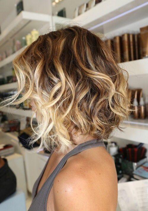 30 стильных идей объемных причесок на короткие волосы на каждый день рекомендации