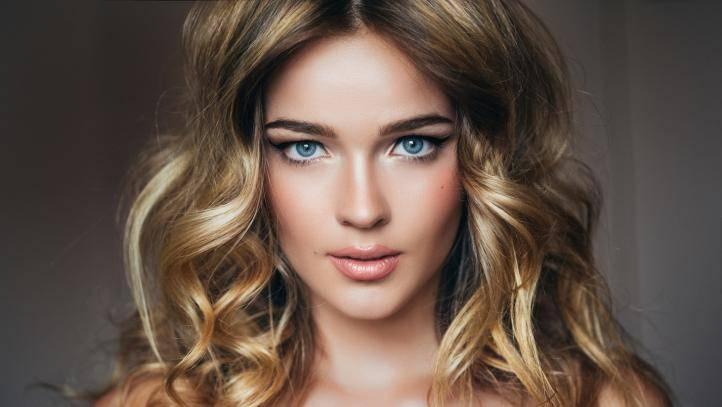 Окрашивание по-новому: стробинг. Когда цвет волос меняет лицо не хуже, чем макияж