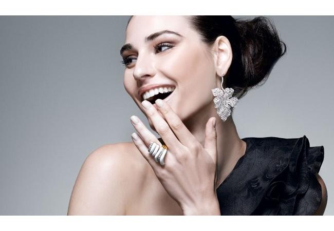 Красивые серьги с бриллиантами