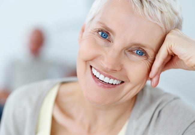 Услуги на недорогое протезирование зубов в СПб