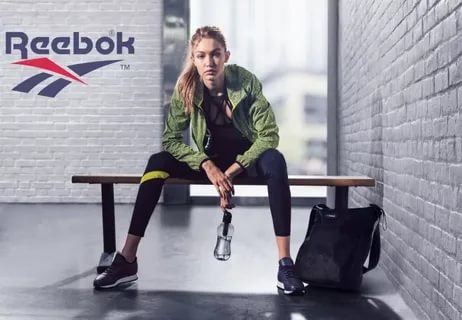 Женский спортивный костюм в гардеробе женщины: какие виды изделий предлагают современные производители