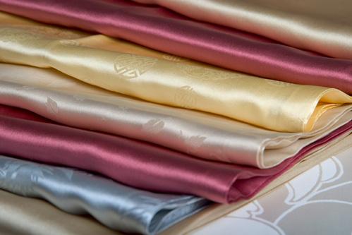 Шитье постели и одежды из качественных тканей