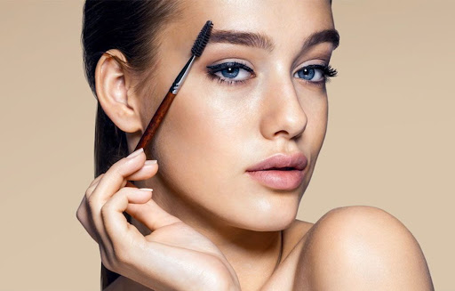 Ухаживаем за бровями — как правильно красить брови, придавать им форму и очерчивать линии?