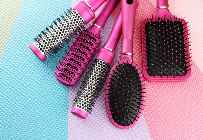 Уход за волосами - расческа и щетка для волос
