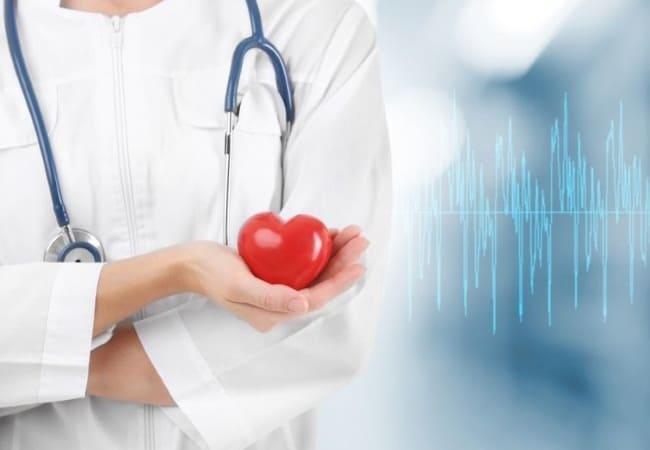 Беспокоит сердце и сосуды? Кто такой врач - кардиолог?