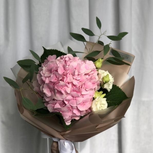 Доставка цветов и букетов в Тюмени