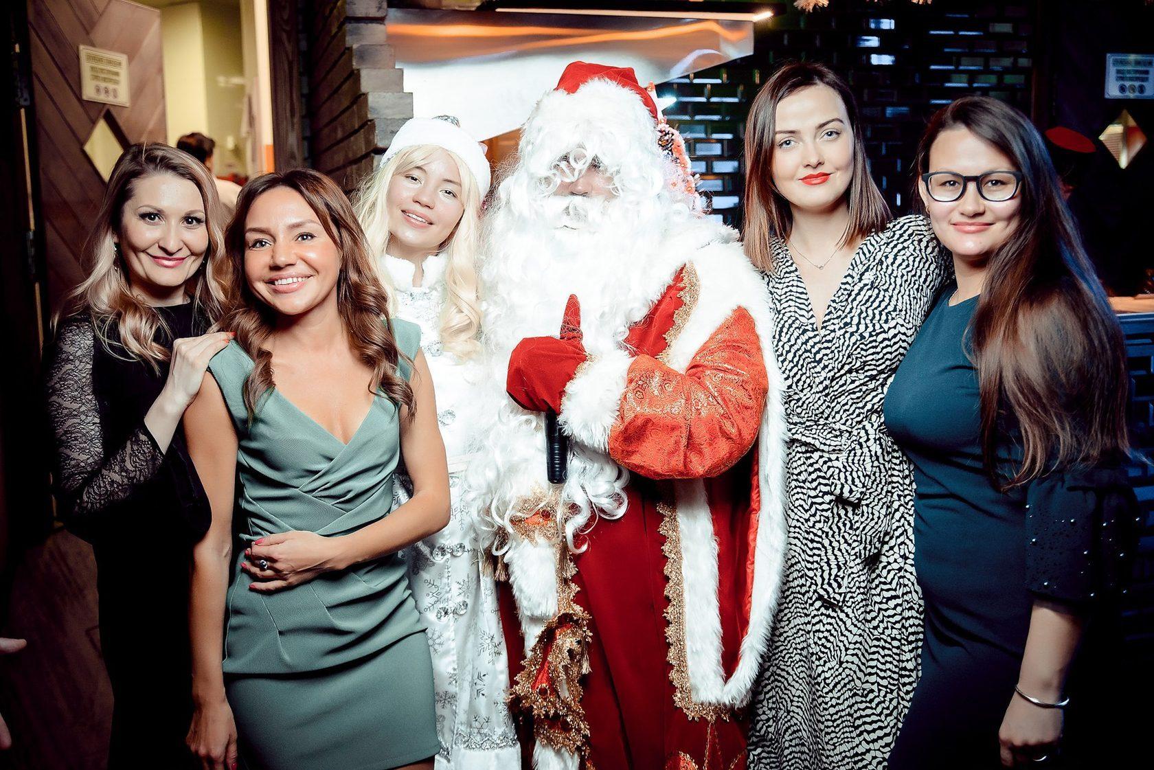А зачем нужен Дед Мороз? Аниматоры в Алматы